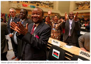 Malawi officials cheer then president Joyce Banda's speech at the ILO in 2013. Credit: Marcel Crozet / ILO.